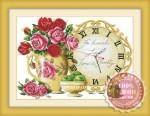 Tranh thêu đồng hồ: Bình hoa hồng